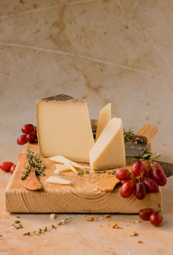 red wine cheese